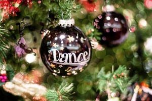 christmas-dance-bauble
