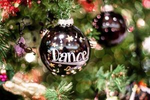 christmas-dance-bauble